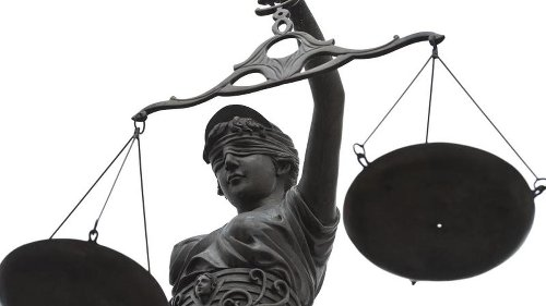 Notar darf sich nicht nur auf Angaben des Erben verlassen