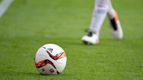 Fußball: Vor Derby: Braunschweig-Fans feuern im Stadion an