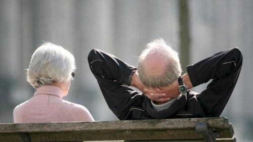 Beiträge sparen: Wann lohnt die Krankenversicherung der Rentner?
