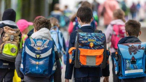 Sommerferien gehen zu Ende: Pauken in der Pandemie: Schulstart in drei Bundesländern