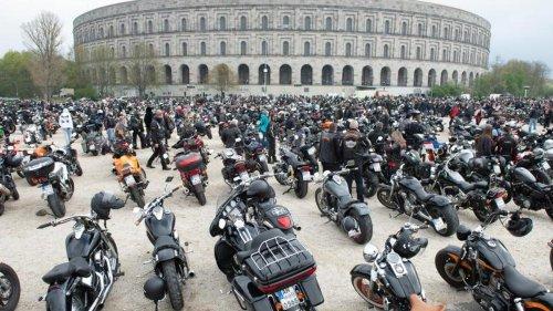 Größte Maikundgebung: 7500 Motorradfahrer gegen Fahrverbote