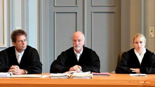 Prozesse: Totschlag statt Mord: Plädoyers im Prozess um totes Baby