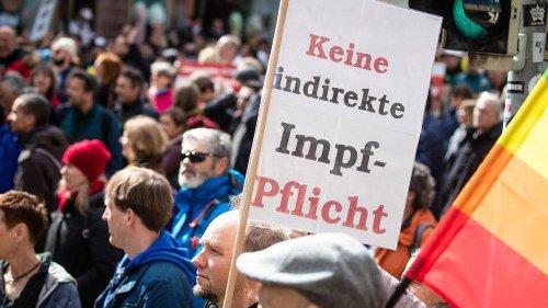 """Brandenburgs Verfassungsschutz beobachtet """"Querdenker"""" nicht"""