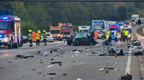 Ermittlungsergebnisse: Tödlicher Unfall: Falschfahrer krachte auf A5 in Auto