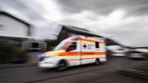 Kontrollverlust auf der Autobahn: Zwei Männer verletzt