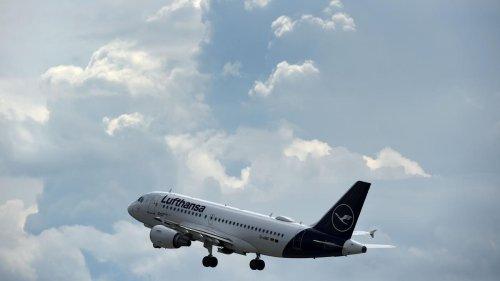 Fluggesellschaften sollen schrittweise CO2-arme Treibstoffe einführen