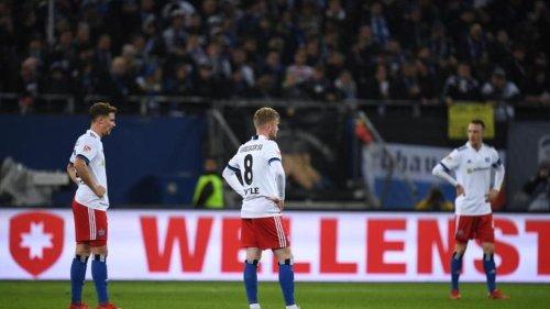 Fußball: Hamburger SV vergibt Heimsieg gegen zehn Düsseldorfer