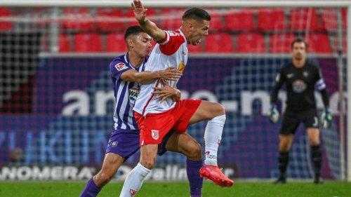 """Fußball: """"Etwas Glück gehabt"""": Regensburg zittert sich zur Spitze"""