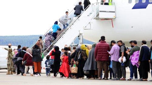 USA: US-Militär fliegt wieder afghanische Geflüchtete aus Ramstein aus