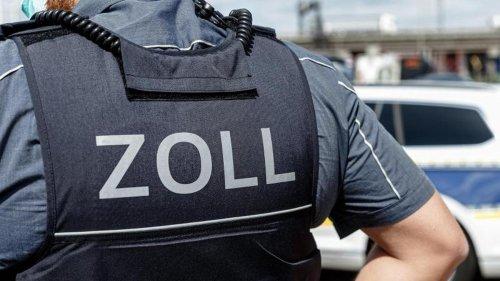 Kriminalität: Zoll findet 232.000 Euro Bargeld bei Fahrzeugkontrolle
