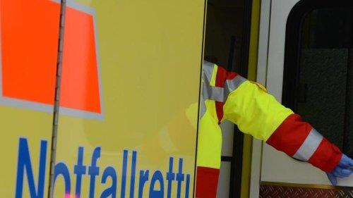Unfälle: Radfahrer bei Zusammenstoß mit Auto schwer verletzt