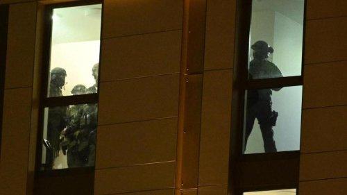 Großeinsatz: Nach Waffenfund in Hotel: Verdächtiger in U-Haft