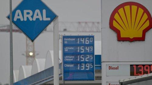 Verkehr: Hohe Spritpreise kurbeln Tanktourismus an