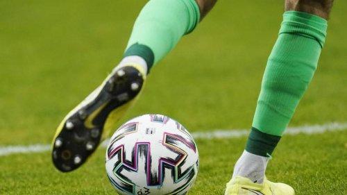 """Fußball: """"Löwen"""" setzen im Pokal gegen Schalke auf Verteidigung"""