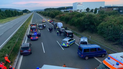 Großeinsatz in Bayern: Polizei nimmt mutmaßlichen Geiselnehmer auf der A9 fest