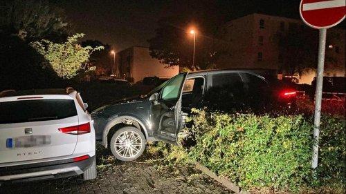 Unfälle: Monheim: Porschefahrer rast mit 130 km/h durch 30er-Zone