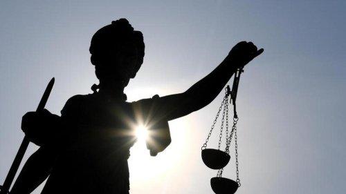Prozesse: Frau stirbt in Keller: Totschlagsprozess gegen 23-Jährigen