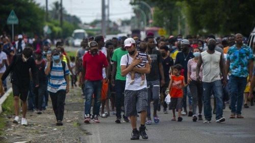 Migration: Neuer Migrantentreck formiert sich in Südmexiko