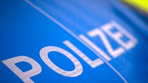 Polizei: Polizei löst illegale Technoparty in Nordbrandenburg auf