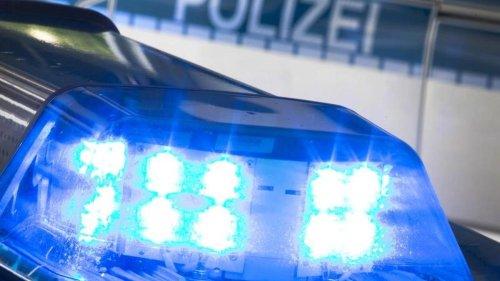 Kriminalität: Fahrzeugkontrolle: Polizei stellt zahlreiche Waffen sicher