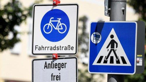 Keine Autos erlaubt?: Wer in der Fahrradstraße fahren darf