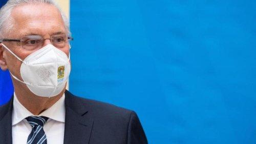 Bayerns Innenminister will Impfpass-Fälscher hart bestrafen