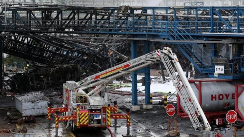 Unfall im Chempark: Bergungsarbeiten nach Explosion in Leverkusen gehen weiter