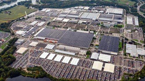 """Autoindustrie: Chipkrise: Autobauer produzieren """"auf Halde"""""""