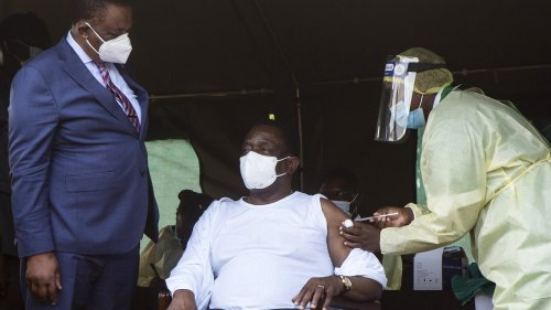 Zimbabwean President Fears US, West Will Use Covid-19 Vaccines To Topple Him - Zenger News