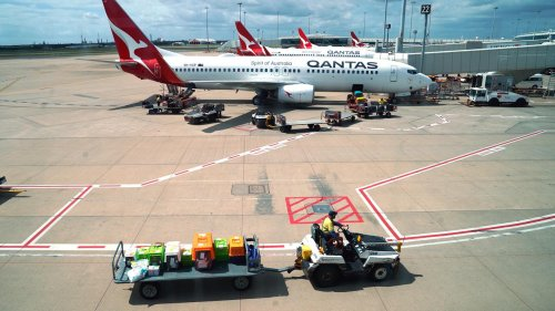 Australia's Largest Airlines Asks Workers To Brace For Stand-downs Amid Covid-19 Downturn - Zenger News