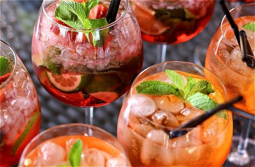 What's The Real Difference Between Aperol And Campari?