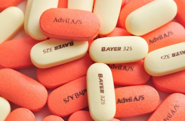What's The Real Difference Between Aspirin And Ibuprofen?