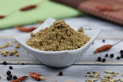Chat Masala Rezept - indische Gewürzmischung - Zimt & Chili
