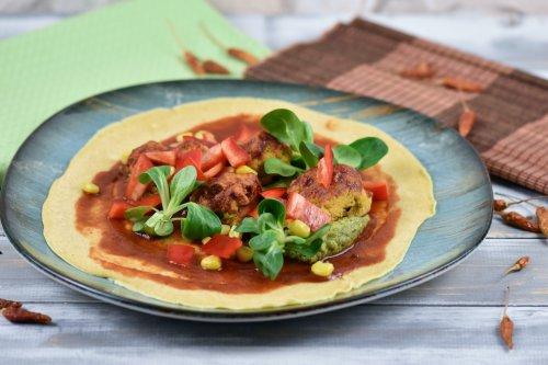 Vegane Burritos mit knusprigen Blumenkohlwings