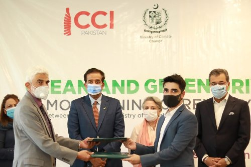 Coca-Cola Beverages Pakistan commits to supporting the Government of Pakistan's Clean and Green Pakistan programme