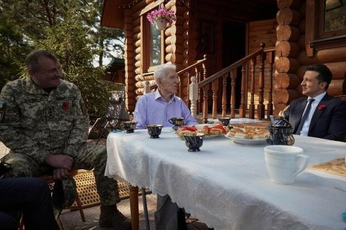 """Ветеран Второй мировой объяснил Владимиру Зеленскому, как защищать страну: """"Чтобы у вас хватило мужества"""""""