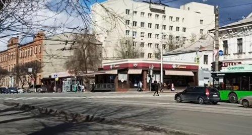В Харькове разгромили билборды ко Дню Победы